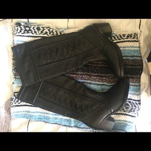 Fossil Felicia leather boots